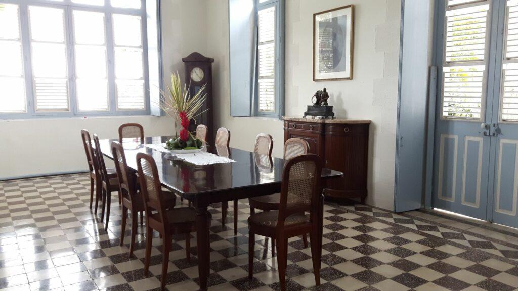 Das Eßzimmer im Château Depaz