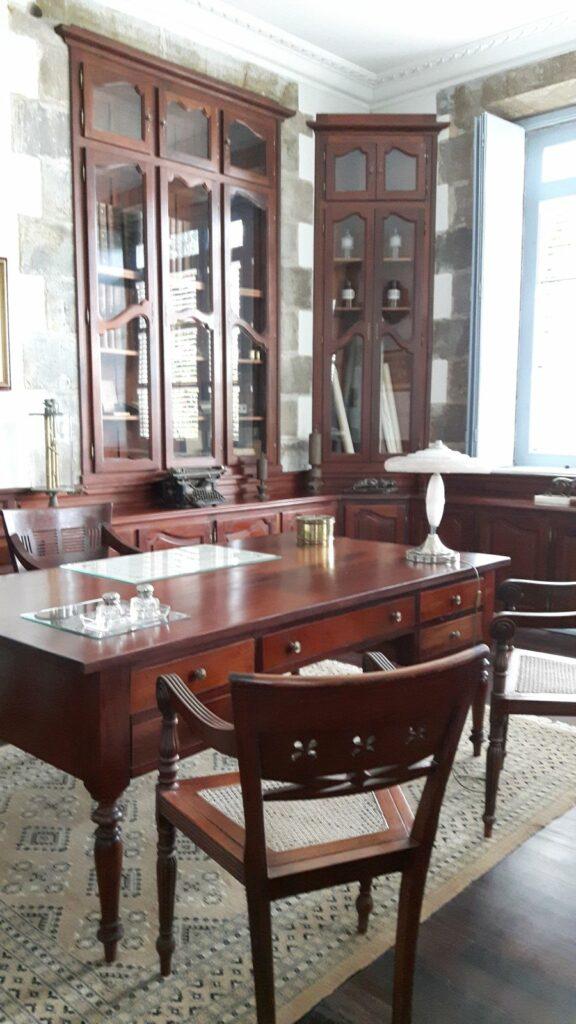 Der Schreibtisch von Victor Depaz
