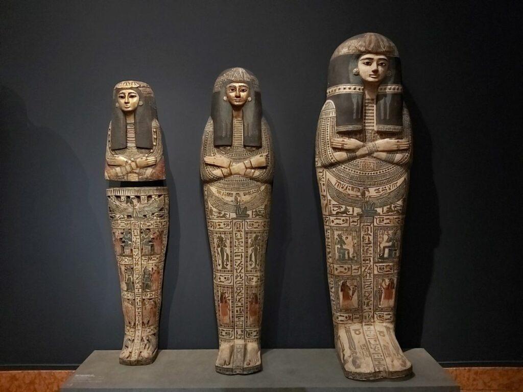 Sarkophage in der Ägyptischen Abteilung