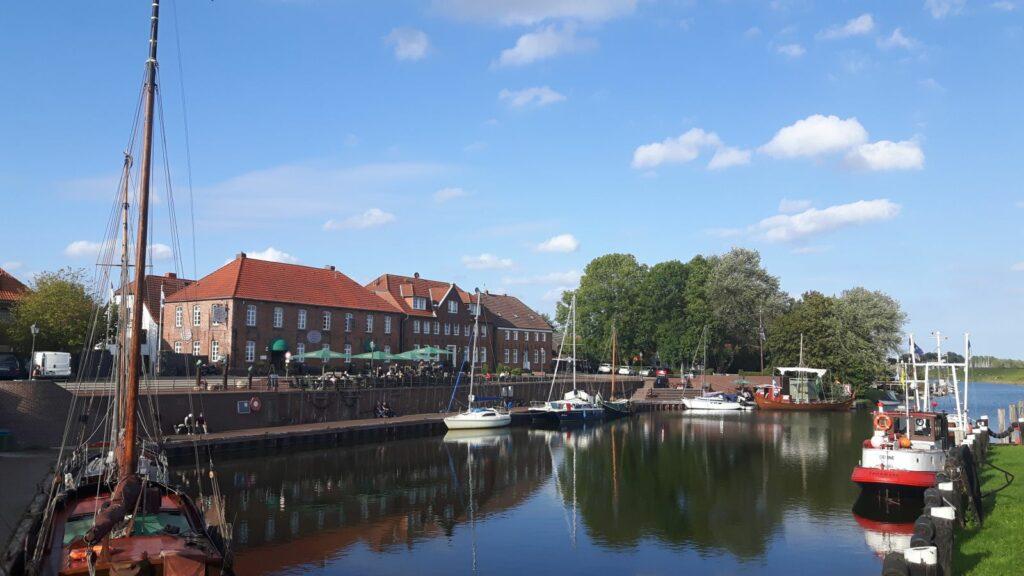 Der Alte Hafen von Hooksiel