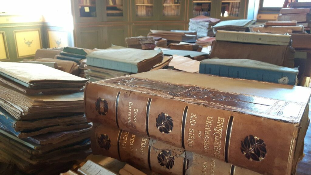 Alles Wissen steckt zwischen diesen Buchdeckeln